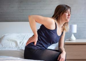 raideur matinale occasionnée par des douleurs à la hanche